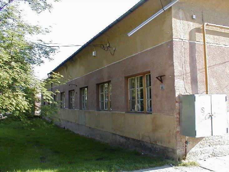 Jelenleg a következő cikkhez tartozó képeket böngészed: Nyílászárók cseréje a régi iskola épületén